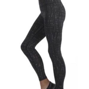 Free 2B Free Country Black Zen Zebra Leggings L